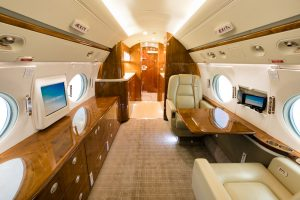 15-g550-sn-5173_aft_cabin_looking_aft