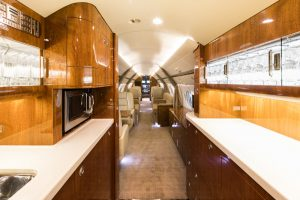 17-g550-sn-5173_aft_galley-2